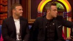 Gary et Robbie interview au Paul O Grady 07-10-2010 Ed255e101826125
