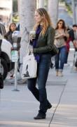 Nov 26, 2010 - Elizabeth Berkley - The Urth Cafe in Beverly Hills 6cf7ff108483100