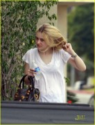 Dakota Fanning / Michael Sheen - Imagenes/Videos de Paparazzi / Estudio/ Eventos etc. - Página 2 2a862a108696259