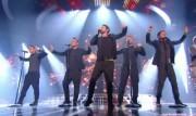 Take That au X Factor 12-12-2010 - Page 2 17a7b9111005464