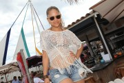 Кэт Дэлуна, фото 336. Kat DeLuna at a bar in France 25/07/'11, foto 336