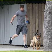Kellan Lutz: Jogging with Kola and Kevin! 155ce790505963