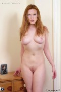 Actress Elizabeth Perkins Nude
