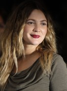 Drew Barrymore @ &amp;quot;Going The Distance&amp;quot; Premiere At The Vue, Leicester Square In London -August 19th 2010- (HQ X25 &amp;amp;15) +Updated+